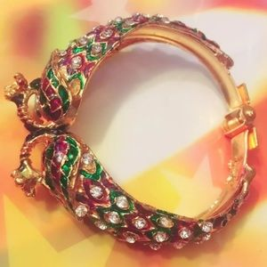 Accessories - Cluch